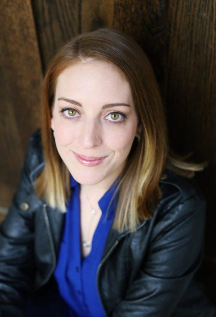 Jennifer Kinkade headshot
