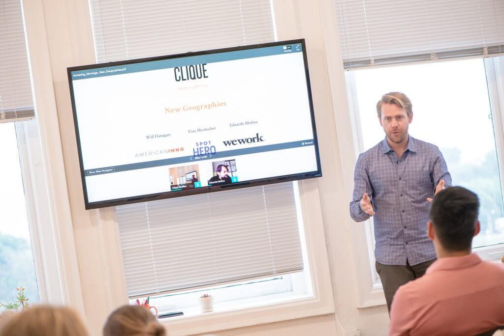 Presentation of slides by Clique