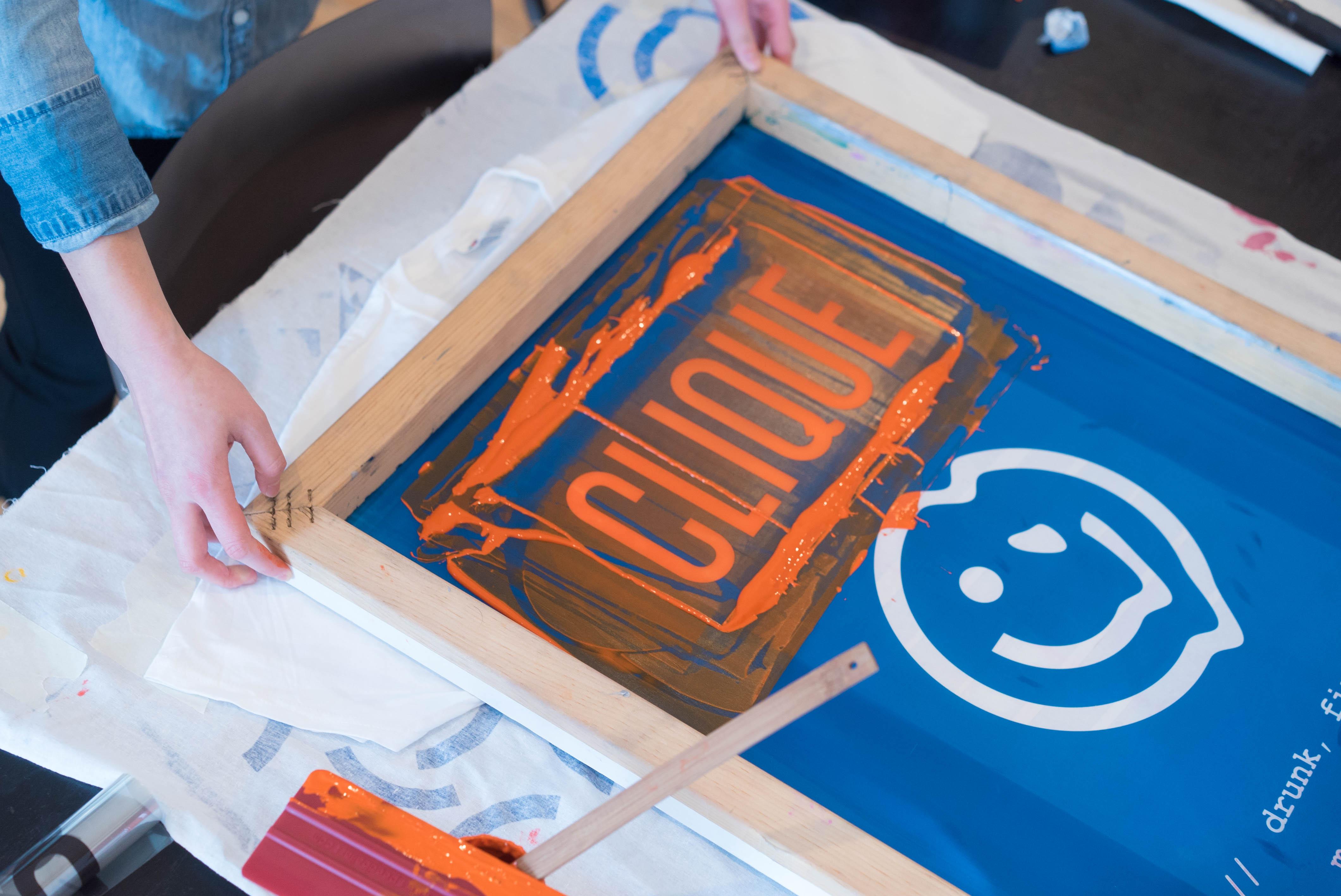 Clique logo screenprinting