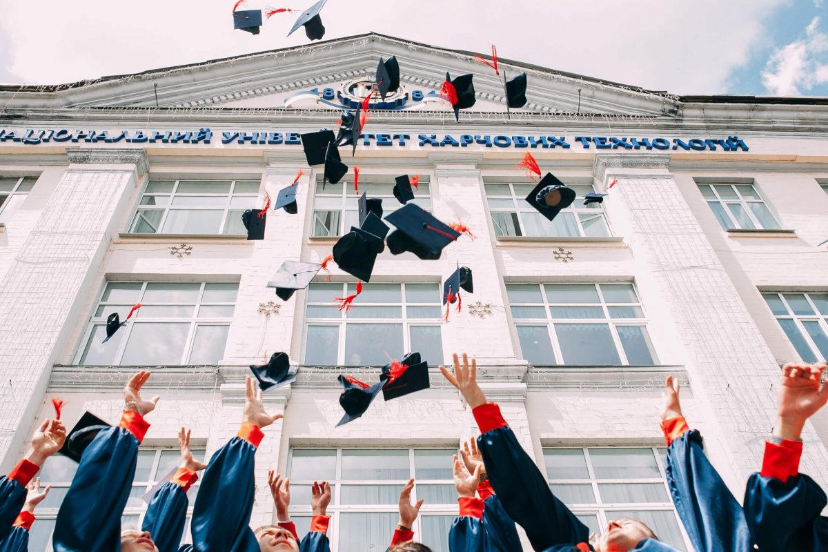high ranking image for graduation and college